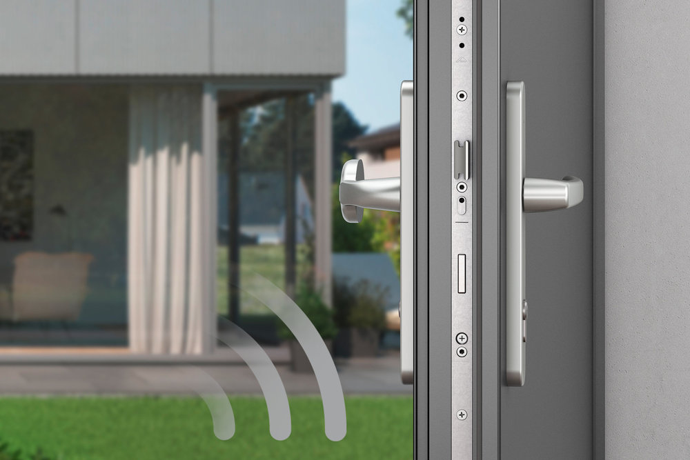 "Electronic multipoint locking systems from the ""Door"" range are set apart by an ""extremely fast"", quiet yet powerful ""Eneo"" motor."